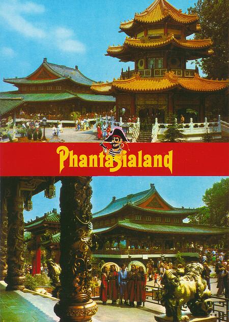 Zu sehen sind Restaurant Chinatown und chinesische Pagode.