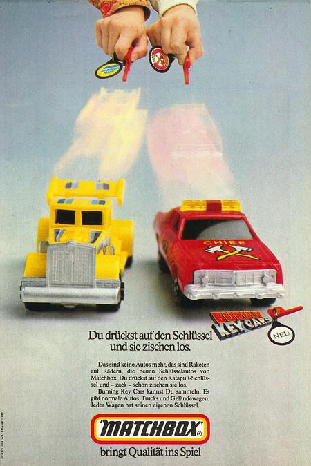 Matchbox Burning Key Cars Feuerwehrauto und gelber Truck.